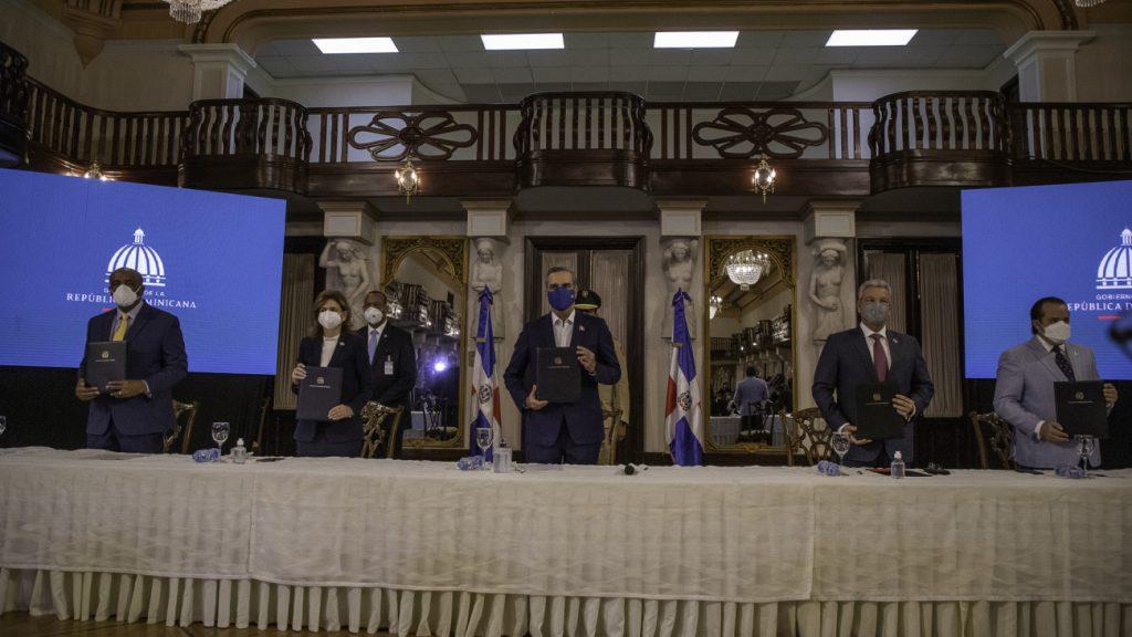 Firma-del-Pacto-Electrico-Presidencia-1024x576.jpg