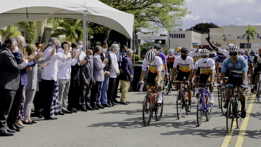 Luis-Abinader-Vuelta-Ciclistica-Presidencia-1024x576.jpg