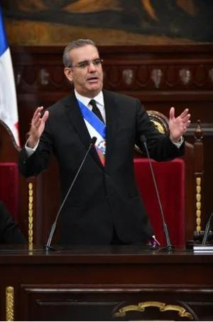 Luis-Abinader-discurso-Listin-Diario-e1614612995359.png