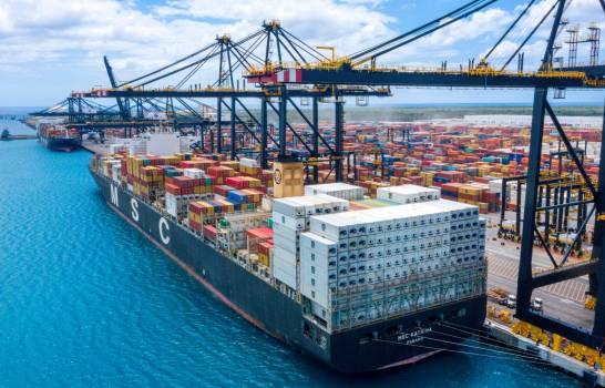 Puerto-Caucedo-barco-mayor-capacidad-Diario-Libre.jpg
