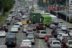 Carros-blancos-El-Nacional-e1620910449890.jpg