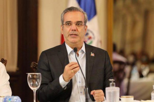 Luis-Abinader-reforma-sector-salud-El-Caribe-e1620049787195.jpg