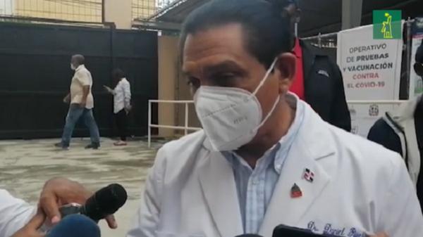 Dr.-Rivera-dice-extranjeros-pueden-vacunarse-Diario-Libre.png