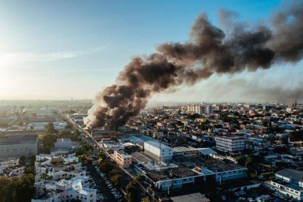 Incendio-Colchoneria-La-Reina-Listin-Diario-e1623334879818.jpeg