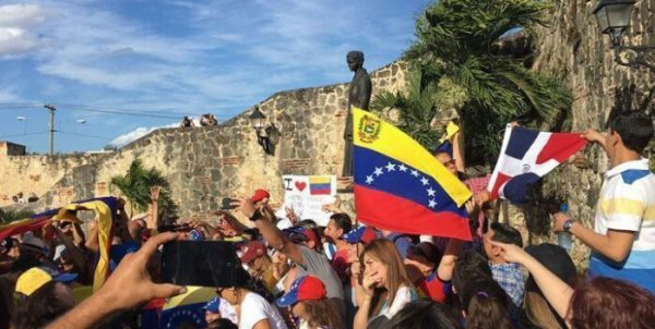 Venezolanos-regulacion-El-Caribe-e1627564948738.jpg
