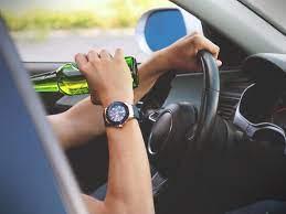Bebidas-alcoholicas-en-vehiculos-PxHere.jpg