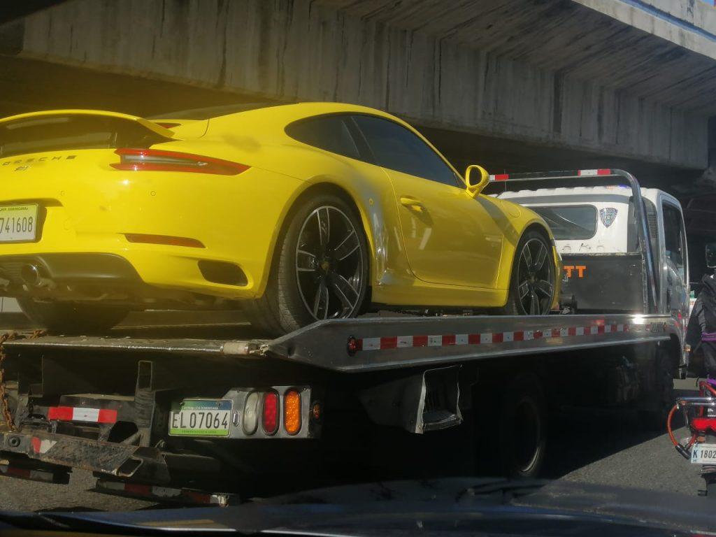 Porsche-Amarillo-El-Dia-1024x768.jpeg