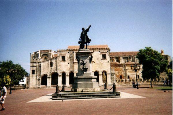 Estatua-Colon-Flickr-e1634223278879.jpg