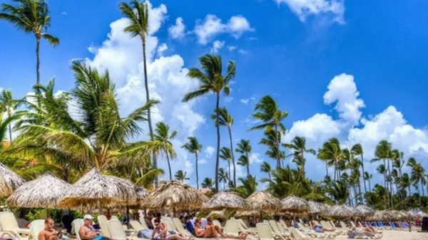 Playa-dominicana-Acento-e1634048670731.png